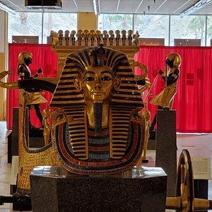 Funerary Mask of Tutankhamun ambient photograph of exhibition.