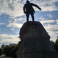 스베르들로브 기념비