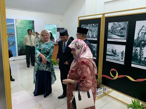 Photo exhibition on Belait museum