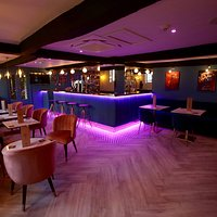 Lounge bar inspired by jazz influences