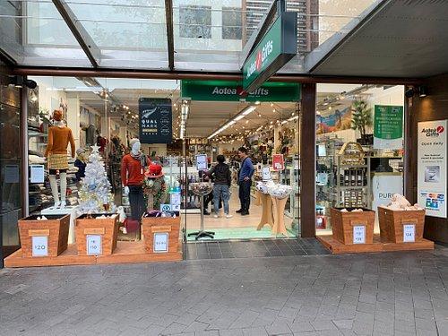 Aotea Gifts Mall: Main entrance