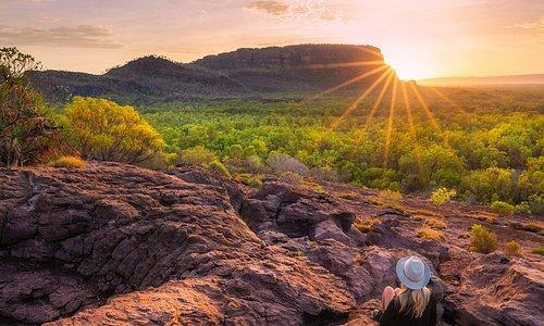 Nawurlandja Lookout est l'un de nos endroits favoris pour observer le lever du soleil ☀️