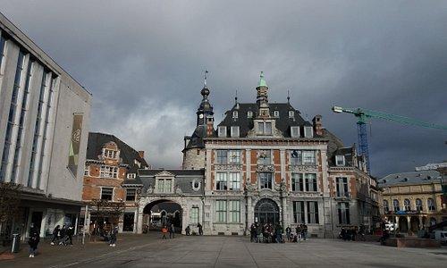 Place d'Armes en de vroegere Handelsbeurs
