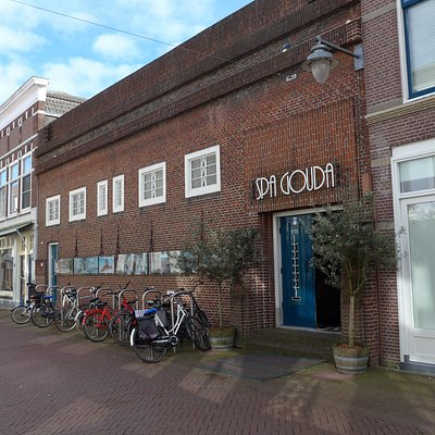 Gouda, Beautiful spa in former school building rebuilt in 1920-1921 by architect P.J. Jansen