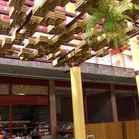 Teil-Ansicht der Markthalle... Die Decken-Konstruktion der Markt-Halle.....