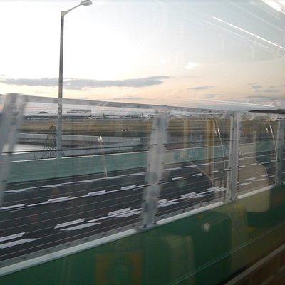 南海電車で空港橋を渡る