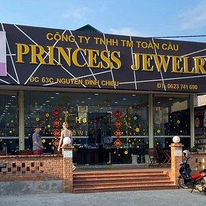 Вход в магазин Princess Jewelry 63C Nguyen Đinh Chieu, HAM TIEN