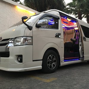 Super Vip. Van Toyota Commuter 10 seaters
