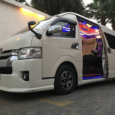 Super Vip. Van Toyota Commuter 10 seaters