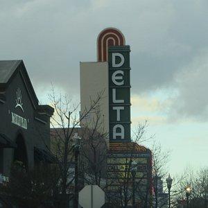 Cinelux Delta Cinema Saver, Brentwood, CA