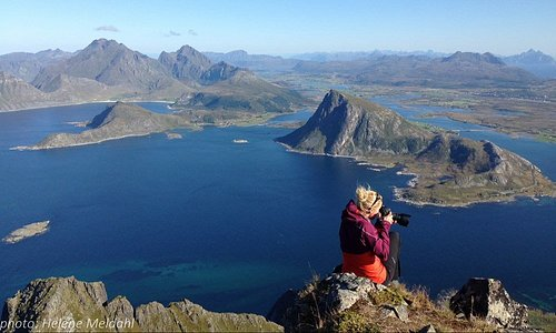 Lofoten is truly one of the most beautiful places in the world but with so many jaw-dropping landscapes it can be hard to know where to start! At Reine Rorbuer we offer sightseeing tours with our professional photographer/guide that guarantee you experience the very best Lofoten has to offer.