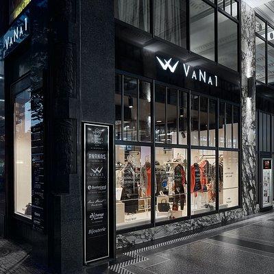 VaNa1 outlet store is located in passage Koruna.