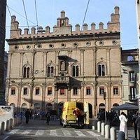 Palazzo dell'Arte de' Drappieri o Strazzaroli