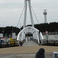 Ustka, Trakt Solidarności, pasaż i nadmorski most obrotowy