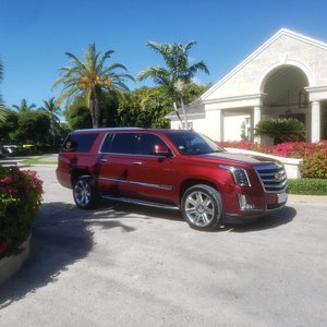 Luxury SUV at your Service!