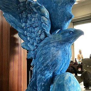 Escultura em concreto do artista Emanuel