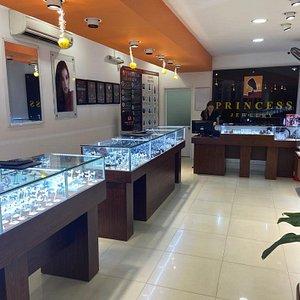 Интерьер магазина Princess Jewelry 20 Nguyen Dinh Chieu, HAM TIEN