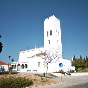 """The watchtower at the back side of the """"Ermida de Santo António do Alto"""" in Faro."""