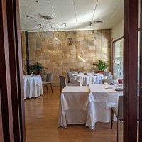 Entrada hall restaurant Empòrium