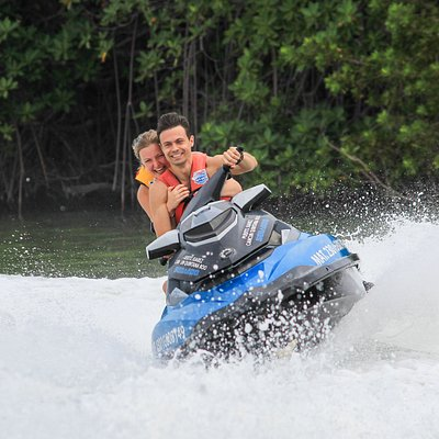 perfect couple plan at Jet ski Cancun the best rental price in the  hotel zone