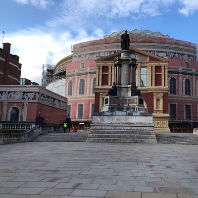 The memorial in front of the Royal Albert Hall