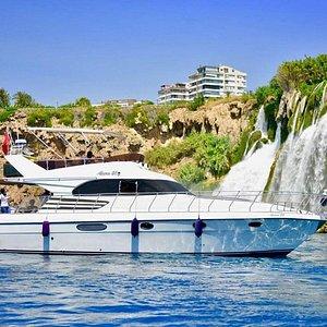 Прогулка на яхте Alperen07 подарит вам отличные эмоции. Живописные виды Анталии, тёплое море и вкусный стол для вас!