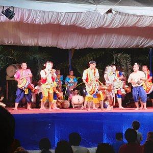 Spectacle de danse traditionnelles avec tambours