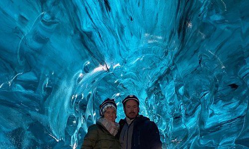 Glacier Journey - Ice Cave & Snomobiling