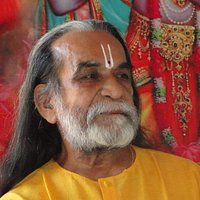 The Ahram was founded by reverent saint Punitachariji in around 1973. Lord Guru Dattatreya blessed him with the divine mantra 'Hari Om Tatsat Jai Guru Datt' for universal peace.