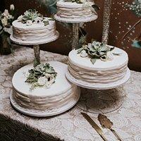 Moeller's Bakery wedding cake