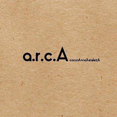 arcA café es un espacio multicultural donde se desarrolla en paralelo la cocina de autor, cenas a puertas cerradas  y  talleres de culinaria.Además de centro cultural y de eventos ubicado en la comuna de Hijuelas