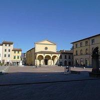 Piazza Cavour with Pieve di San Giovanni Battista.  Centro Storico, San Giovanni Valdarno