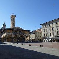 Piazza Cavour with Palazzo d'Arnolfo. Centro Storico, San Giovanni Valdarno