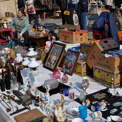 Lot's of folks use the outdoor season to sell items that many times are  found at shows.