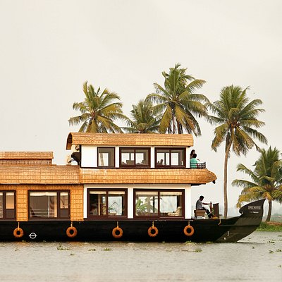 Side view of our houseboat Saffron