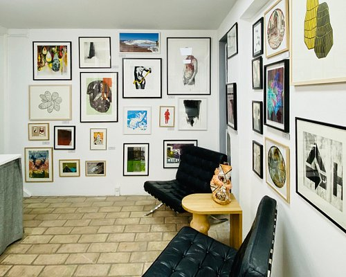 Picture from the gallery shop, located in the back of the gallery.