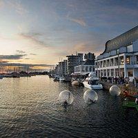 Dunkers kulturhus ligger vackert vid hamnen i Helsingborg.