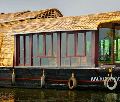 Backwater paradise cruise