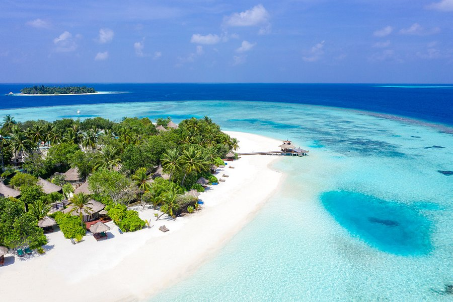 Five luxury hotels in the Maldives located in Male on the Indian Ocean