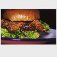 Our populair LOCO POLLO breaed chicken burger.