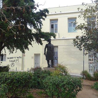 Памятник Иоаннису Макрияннису (8 марта 2020 года)