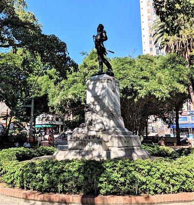 Left side view of Statue of Jose Maria Cordoba in Parque de Boston.