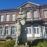 Magnifique statue