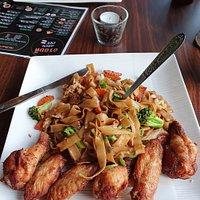 Pat Siuw mit Chicken Wings