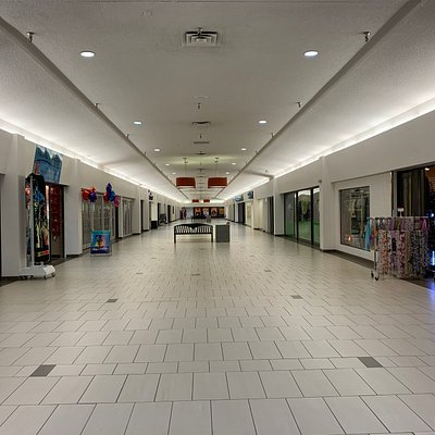 No customers. Only ghosts @ Chilliwack Mall
