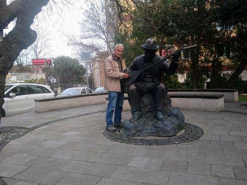 Aşık Veysel Anıtı 2
