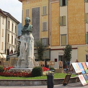 Monumento a Gabriele Rosa