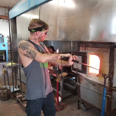 Woody making glass in the hotshop