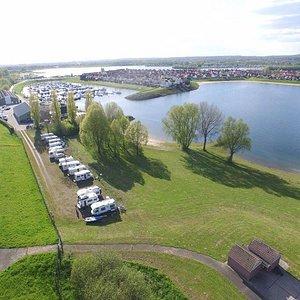 Jachthaven 't Eiland, camper terrein aan het water!