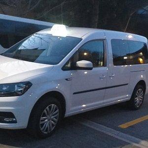 Taxienavette è un servizio taxi  sulla costa della  Romagna tel.3928860407